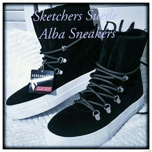 🌸Sketchers Suade High Top Alba Sneakers